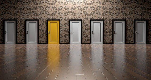 選択する扉