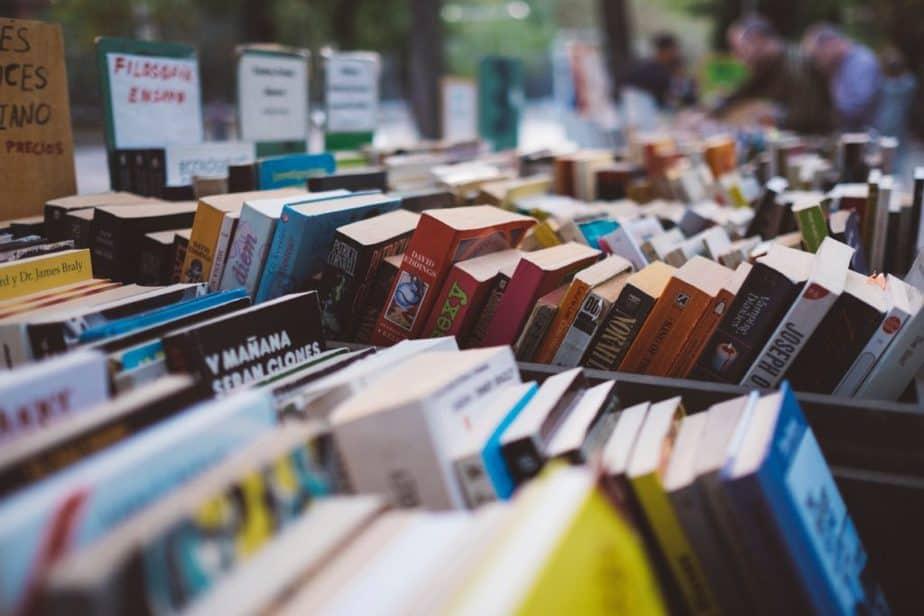 古本市のたくさんの本